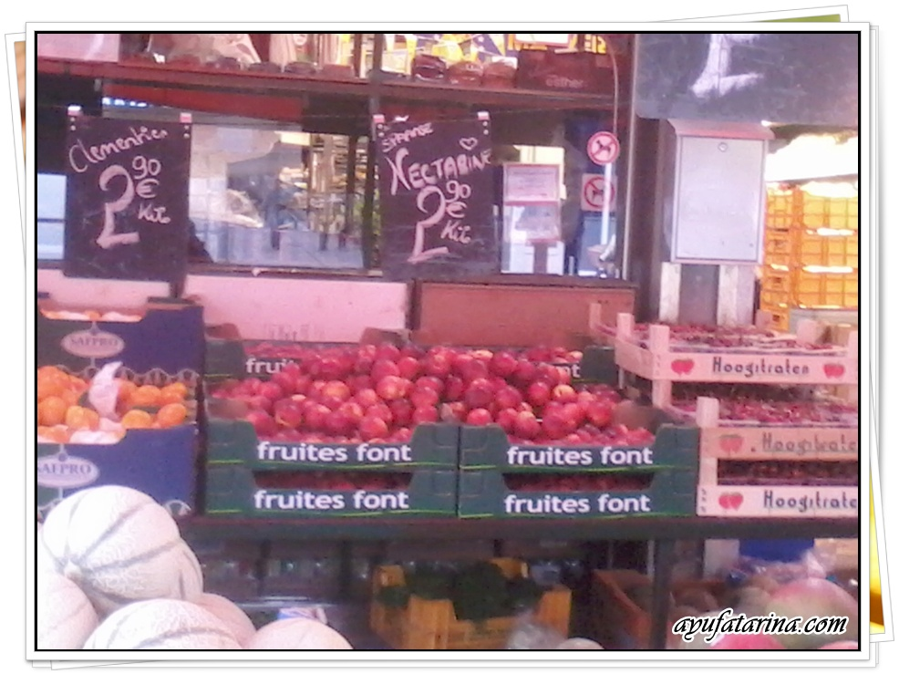 Fresh fruits in Ghent 1
