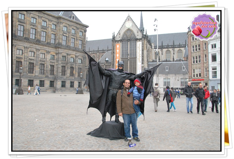 Batman in Amsterdam Dam Square 2