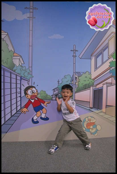 100 Doraemon Gadgets Expo bb