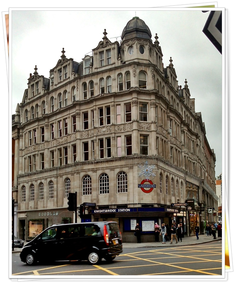 harrods-knightsbridge-london-tube-station-3