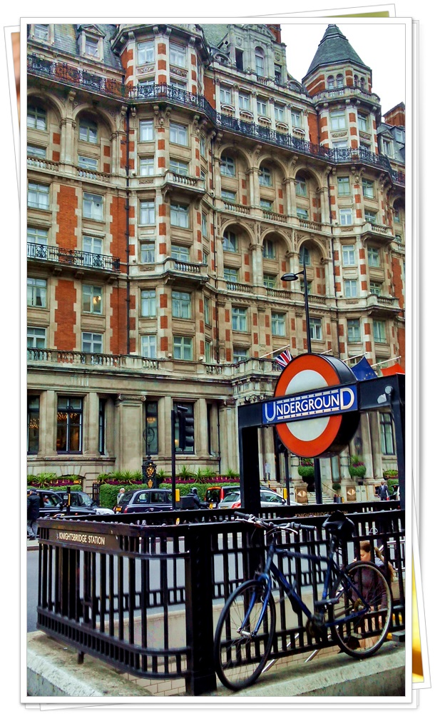 harrods-knightsbridge-london-tube-station