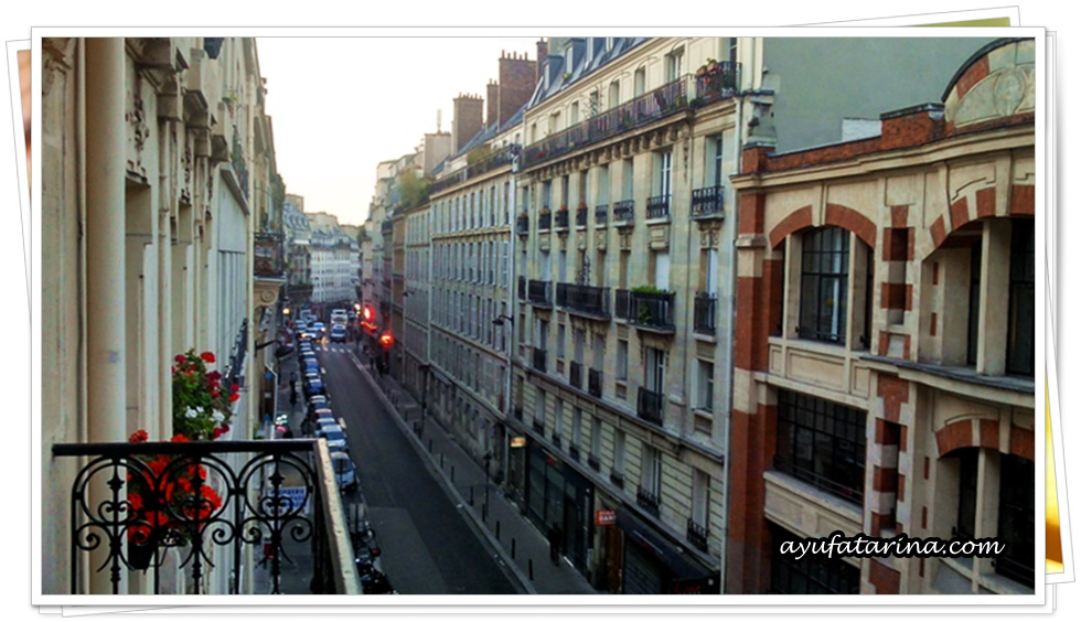 Buildings in Paris - Hotel 3