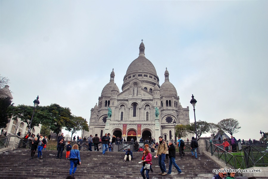 Sacre Coeur Full Picture